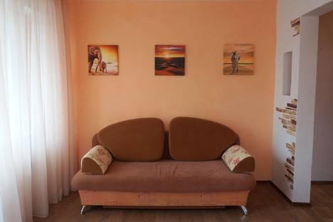 Сдается 1-комнатная квартира посуточнов Лесосибирске, 7 микрорайон, 18.