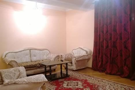 Сдается 2-комнатная квартира посуточно в Махачкале, ул. Расула Гамзатова, 113а.