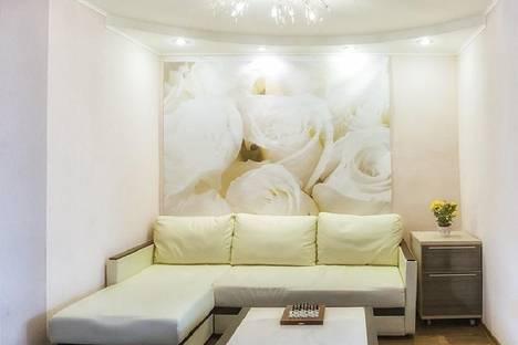 Сдается 3-комнатная квартира посуточно в Тольятти, ул. Жилина, 62.