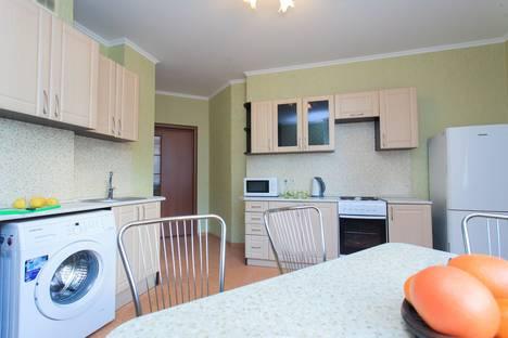 Сдается 2-комнатная квартира посуточнов Новокуйбышевске, Революционная, 3.