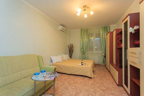 Сдается 2-комнатная квартира посуточнов Самаре, ул. Ерошевского, 18.