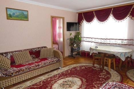 Сдается 3-комнатная квартира посуточнов Домбае, Пихтовый мыс, д. 4.