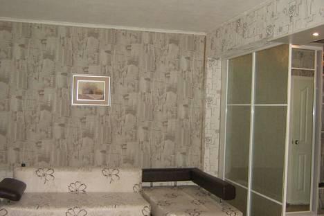 Сдается 1-комнатная квартира посуточно в Лесосибирске, ул. Калинина, 22.