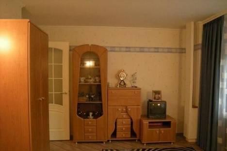 Сдается 3-комнатная квартира посуточно в Новокузнецке, ул. Ушинского, 8а.