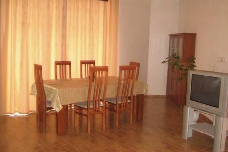 Сдается 3-комнатная квартира посуточнов Барановичах, пл.Ленина, 1.