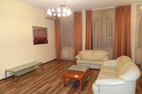 Сдается 2-комнатная квартира посуточнов Санкт-Петербурге, Невский проспект, 43.