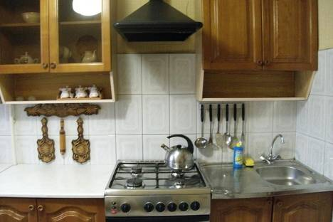 Сдается 3-комнатная квартира посуточнов Астрахани, Чернышевского 7.