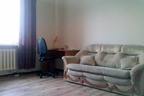 Сдается 3-комнатная квартира посуточнов Астрахани, Красноармейская 15.