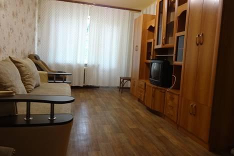 Сдается 2-комнатная квартира посуточнов Астрахани, Тютчева 4.