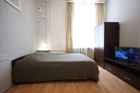 Сдается 1-комнатная квартира посуточнов Санкт-Петербурге, ул. Рубинштейна, 15.