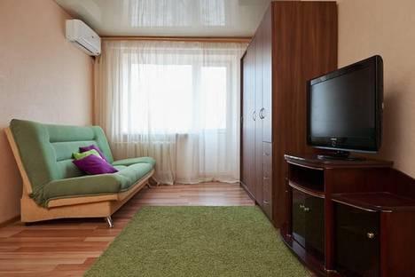 Сдается 1-комнатная квартира посуточно в Ростове-на-Дону, проспект Михаила Нагибина, 35.
