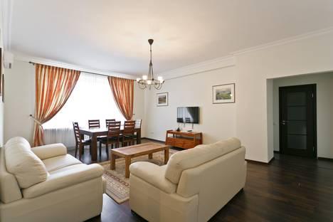 Сдается 3-комнатная квартира посуточно в Минске, пр. Независимости, 12.