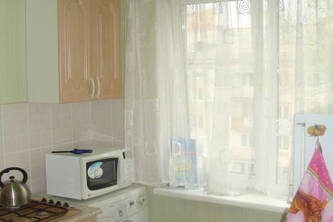 Сдается 2-комнатная квартира посуточно в Перми, крупской 69/1.