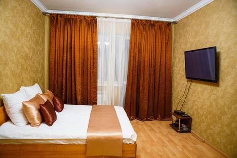 Сдается 1-комнатная квартира посуточно в Курске, ул.Карла Либкнехта, 18.