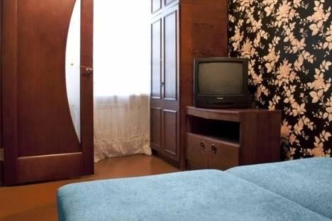 Сдается 3-комнатная квартира посуточно в Комсомольске-на-Амуре, ул. Сидоренко, 32.