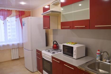 Сдается 3-комнатная квартира посуточно в Энгельсе, Трудовая 12/1 ЛЕНТА  гипермаркет новый.