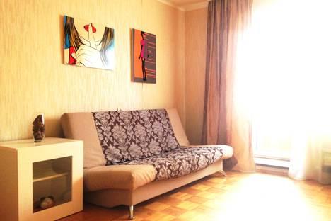 Сдается 1-комнатная квартира посуточнов Луховицах, ул. Сапожковых, 10.