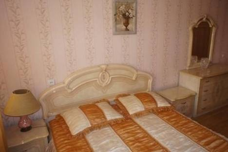 Сдается 2-комнатная квартира посуточно в Комсомольске-на-Амуре, ул. Пирогова, 17, корп. 3.