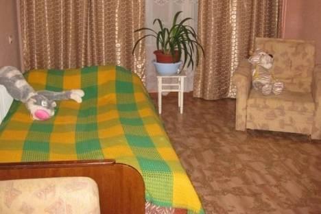 Сдается 2-комнатная квартира посуточно в Кировске, Кондрикова улица, д. 4, корп. 70.