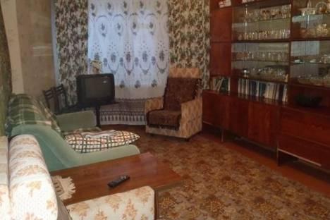 Сдается 2-комнатная квартира посуточно в Кировске, Олимпийская улица, д. 47, корп. 8.