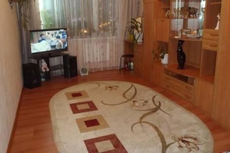 Сдается 2-комнатная квартира посуточно в Кировске, Ленинградская улица, д. 14.
