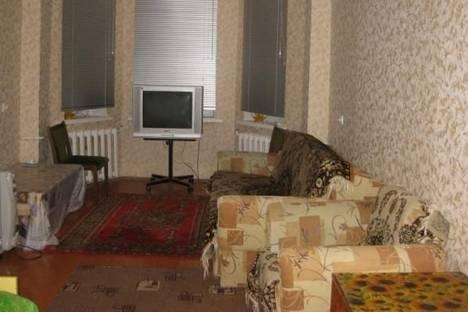 Сдается 2-комнатная квартира посуточнов Кировске, Парковая улица, д. 18.