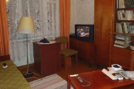 Сдается 1-комнатная квартира посуточно в Кировске, Олимпийская улица, д. 81, корп. 86.
