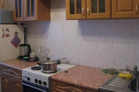 Сдается 2-комнатная квартира посуточно в Кировске, Олимпийская улица, д. 28, корп. 17.