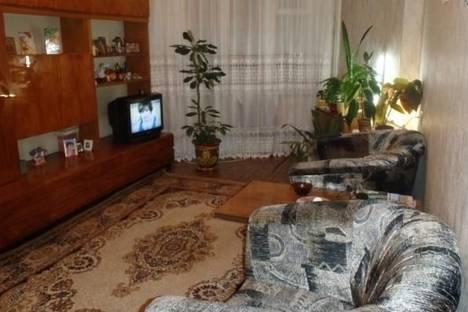 Сдается 2-комнатная квартира посуточно в Кировске, Олимпийская улица, д. 30, корп. 37.