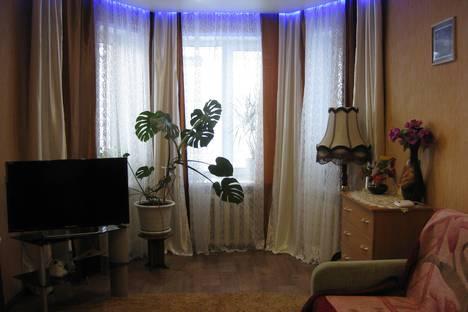 Сдается 2-комнатная квартира посуточно в Кировске, Парковая улица, д. 5.