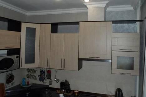 Сдается 2-комнатная квартира посуточно в Кировске, Парковая улица, д. 3.