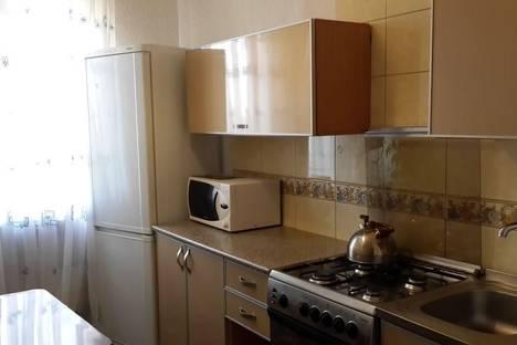 Сдается 2-комнатная квартира посуточнов Астрахани, ул. Яблочкова, 27.