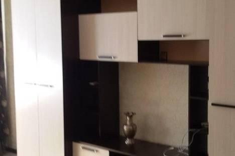 Сдается 2-комнатная квартира посуточнов Астрахани, ул. 1-я Перевозная, 118.