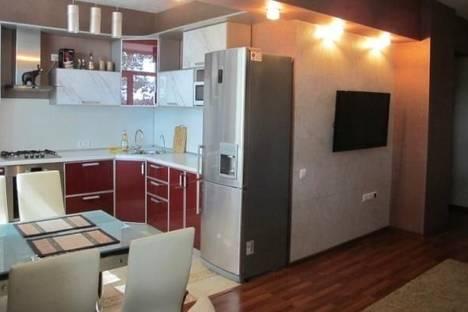 Сдается 2-комнатная квартира посуточно в Комсомольске-на-Амуре, Аллея Труда улица, д. 38.