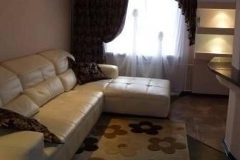 Сдается 2-комнатная квартира посуточно в Комсомольске-на-Амуре, Первостроителей проспект, д. 21.