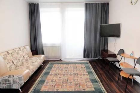 Сдается 1-комнатная квартира посуточно в Железногорске, Школьная, 57а.
