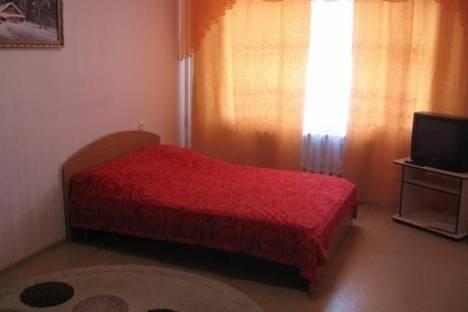 Сдается 2-комнатная квартира посуточно, Лазурная, 13.