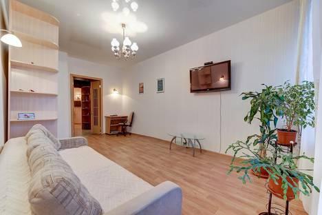 Сдается 2-комнатная квартира посуточно в Санкт-Петербурге, Адмиралтейская наб., д.6.