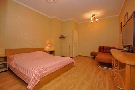 Сдается 1-комнатная квартира посуточнов Санкт-Петербурге, ул.Большая Конюшенная, д.5.