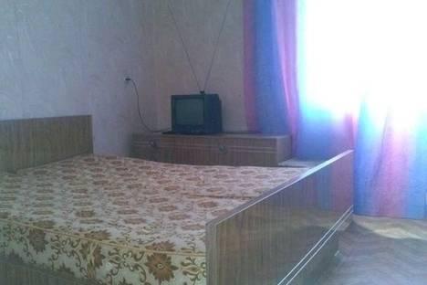 Сдается 2-комнатная квартира посуточнов Астрахани, переулок Театральный, 2.