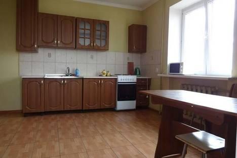 Сдается 2-комнатная квартира посуточнов Астрахани, ул. С.Перовской, 64.