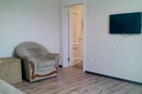 Сдается 2-комнатная квартира посуточнов Астрахани, Тютчева,4.