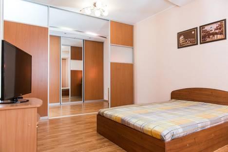 Сдается 2-комнатная квартира посуточно в Сыктывкаре, ул. Интернациональная, 166.