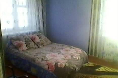 Сдается 1-комнатная квартира посуточно в Каменск-Уральском, 2-я Рабочая улица, д. 99, корп. 1.