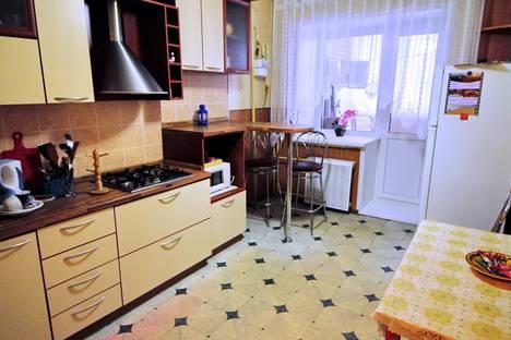 Сдается 1-комнатная квартира посуточно, ул. Нижняя Дуброва, 32А.