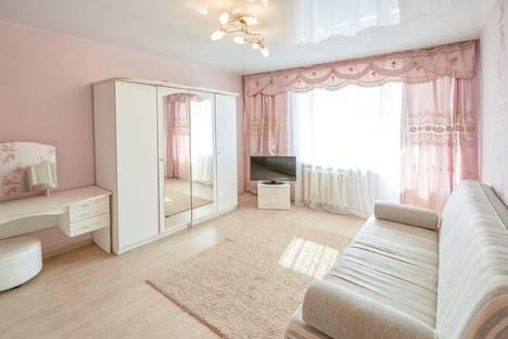 Сдается 1-комнатная квартира посуточнов Кургане, улица Гоголя 133.
