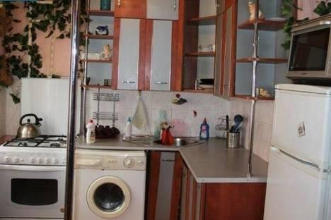 Сдается 2-комнатная квартира посуточно в Стерлитамаке, пр.Октября, 16.