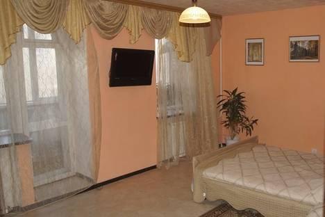 Сдается 1-комнатная квартира посуточно в Комсомольске-на-Амуре, Интернациональный проспект, 2/2.