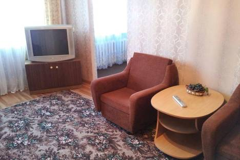 Сдается 2-комнатная квартира посуточнов Магадане, ул. Пролетарская, 36.