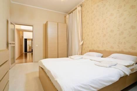 Сдается 3-комнатная квартира посуточно в Киеве, ул. Льва Толстого 41.